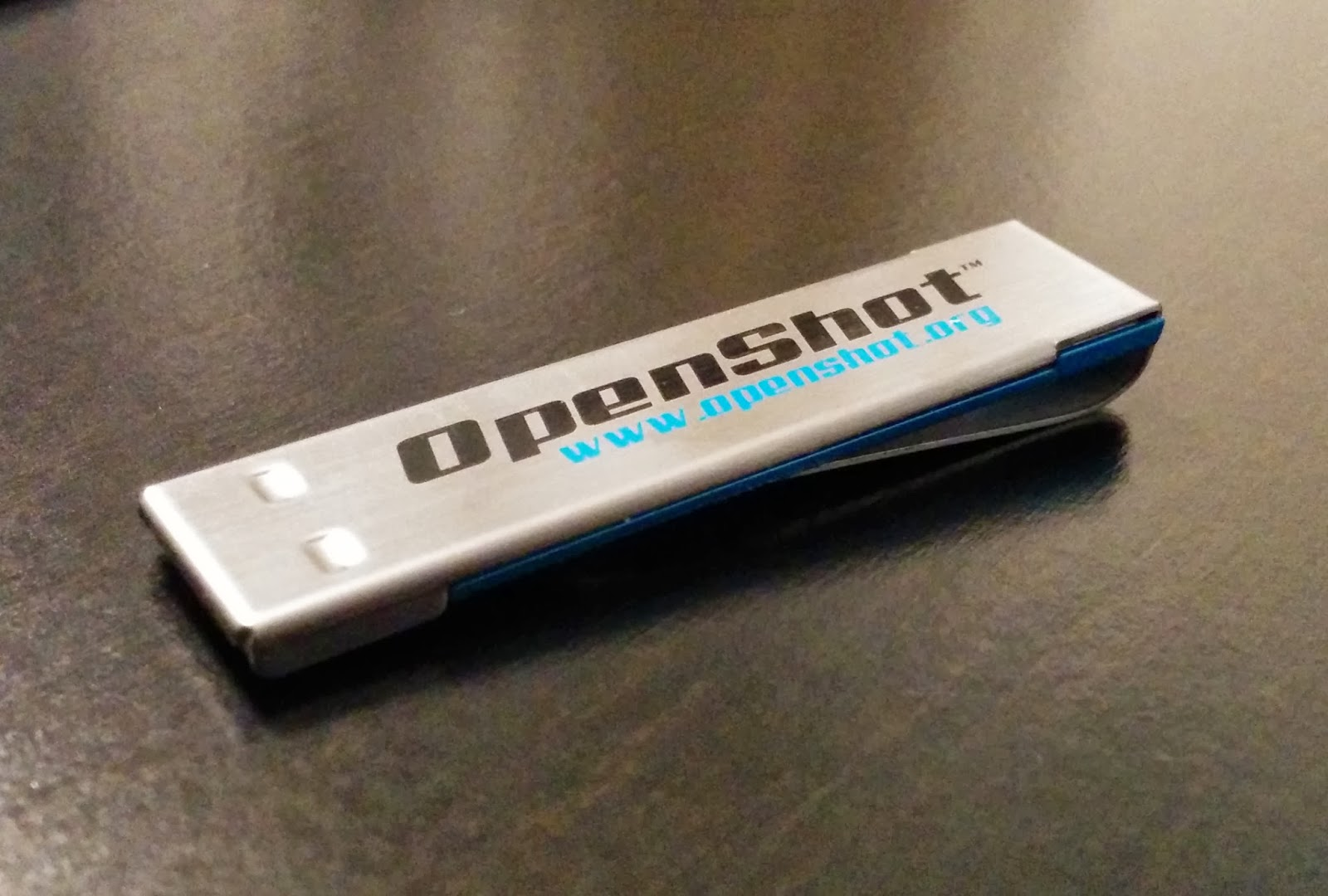 8 GB USB Flash Drive for OpenShot